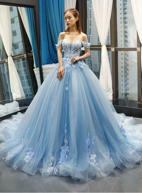 Rochie de mireasă albastră stil prințesă
