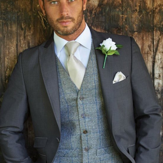 costum de nunta cu vesta